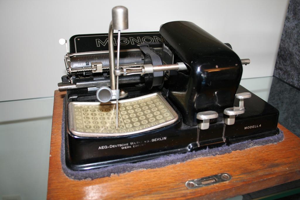 Die Erste Schreibmaschine